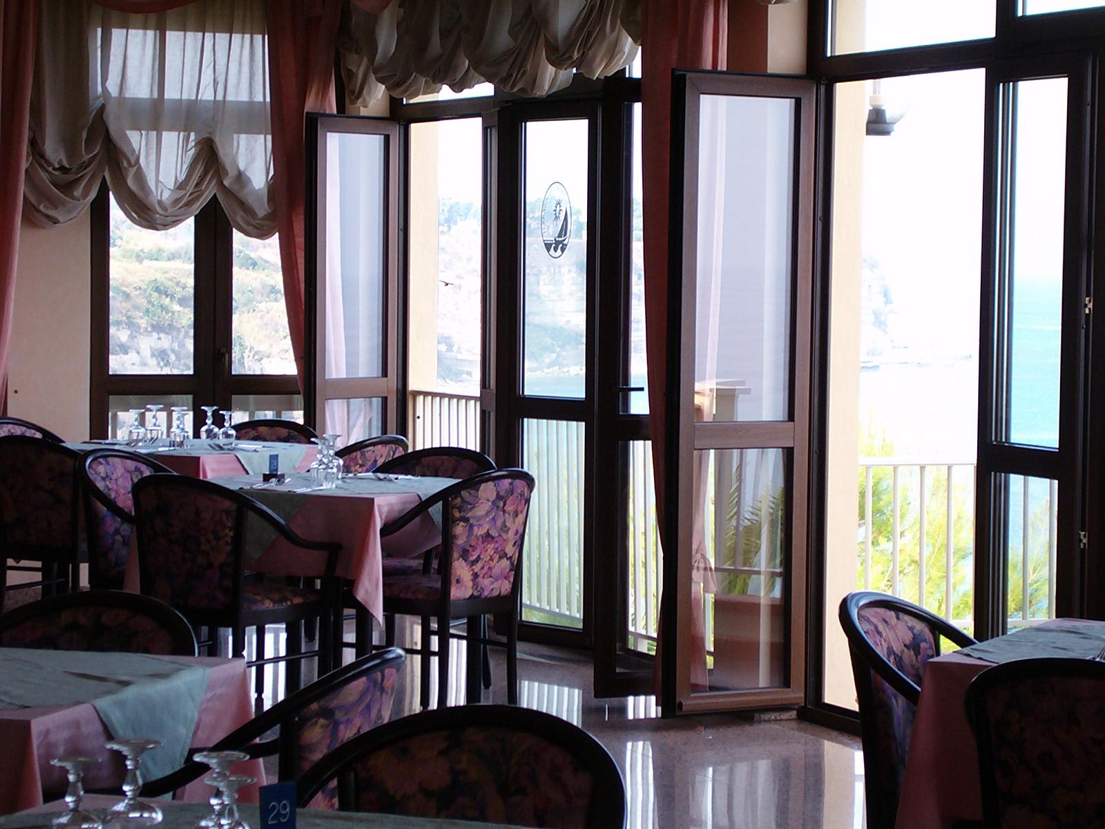 Hotel Terrazzo sul Mare ::-